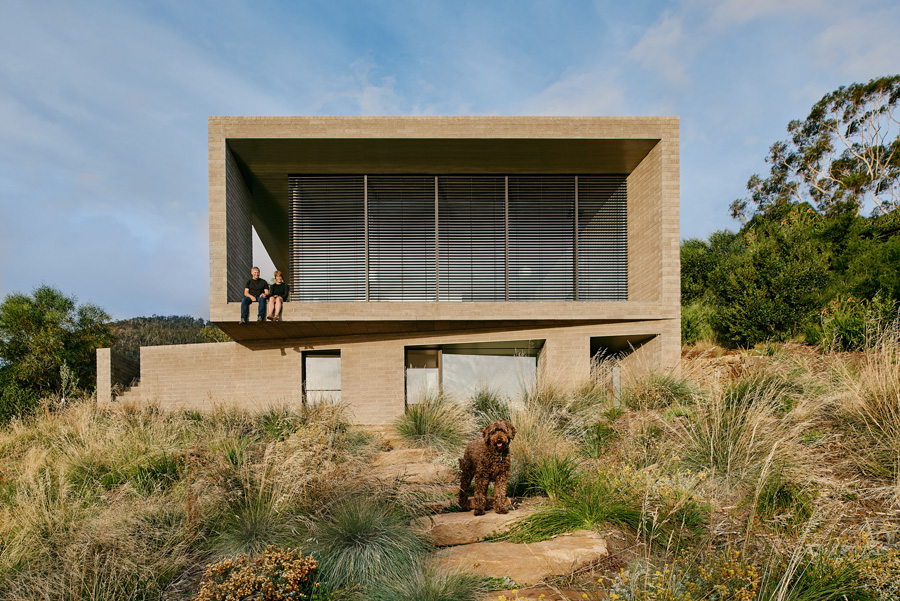 House at Otago Bay, Winner of the Kevin Borland Masonry Award at the 2019 Think Brick Awards.